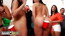 BANGBROS - Rachel Roxxx, Rachel Starr, Diamond Kitty, & Luna Starr FTW